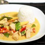 Schnelles THAI-CURRY mit Hähnchen und Gemüse