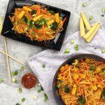 Gebratene Nudeln mit Gemüse und Süßsaucer-Sauce | Chinesische Nudeln Rezept | Kikis Kitchen