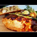 Saftiges Schweinerückensteak vom Grill - Lecker mit Knoblauch und BBQ-Sauce - Rezept und Video