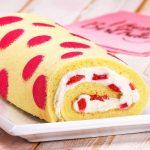 Käsekuchen mal anders - Rezept mit Erdbeer Polka Dots als Rolle